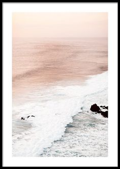 Beautiful nature poster with motifs of peacefull waves that meet each other and form a beautiful white foam. The waves have a ri Beach Posters, Love Posters, Art Posters, Kunst Posters, Design Posters, Poster Mural, Poster Prints, Poster Xxl