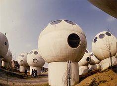 De bolwoningen op het glooiende veld, D.Kreijkamp, Den Bosch,Netherlands, 1985