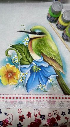 espectacular trabajo. Tole Painting, Fabric Painting, Watercolor Flowers, Watercolor Art, Painting The Roses Red, Fabric Paint Designs, Bird Coloring Pages, Nature Drawing, Pictures To Paint