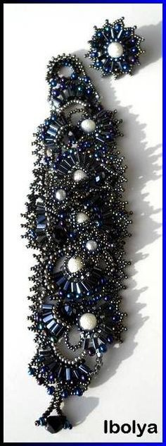 Black and Blue Freeform freestyle Seed Beads Bracelet, beaded cuff bracelet, beadwork, ooak.