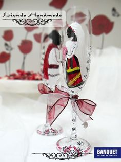 200 LEI | Pahare miri handmade | Cumpara online cu livrare nationala, din Bucuresti Sector 4. Mai multe Nunta si Botez in magazinul Liynda pe Breslo.