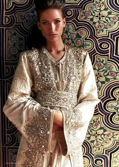 Moroccan wedding Kaftan, no words! Arab Fashion, Indian Fashion, Love Fashion, Fashion Beauty, Luxury Fashion, Moroccan Caftan, Moroccan Style, Moda India, Estilo Hippie Chic