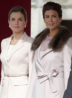 February State Visit from Argentina page 1 - RoyalDish is a forum for discussing royalty. The Danish and British Royal Families in particular, so get your snark on! Estilo Fashion, Boho Fashion, Fashion Outfits, Coats For Women, Clothes For Women, Lacy Tops, Classy Women, Classy Lady, Queen Letizia