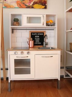Love this!! Check out this collection of 20 amazing Ikea play kitchen hack.