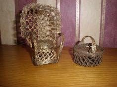 Gehaakte stoel - gehard en daarna gebeitst in miniatuur voor Oma