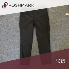 The Limited Black Ankle Pant Black exact stretch ankle pant. Never worn. The Limited Pants Ankle & Cropped