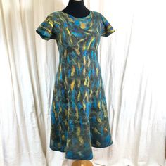 Short Sleeve Dresses, Dresses With Sleeves, Felt, Fashion, Moda, Felting, Sleeve Dresses, Fashion Styles, Gowns With Sleeves