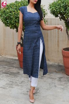 Printed Navy Bue Denim Front Slit Kurti with White Cotton Silk Pants Salwar Kameez Neck Designs, Silk Kurti Designs, Kurta Neck Design, Kurta Designs Women, Kurti Designs Party Wear, Salwar Designs, Neck Design For Kurtis, Latest Kurti Designs, Salwar Kameez Simple
