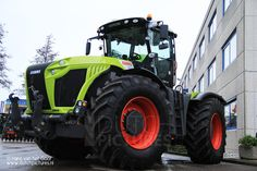 Opendag Kamps De Wild en Kemp Groep in De Meern, 27 / 28 December 2013. Er waren diverse nieuwe machines, tractoren etc. te zien van Claas, Kaweco, Amazone en Weed it. De nieuwe Jaguar 870 ...