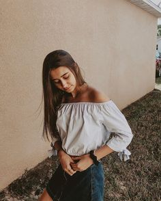 Cute Cheer Pictures, Fan Girl, Girly Things, Off Shoulder Blouse, Diana, Vsco, Poses, Fashion Outfits, Videos