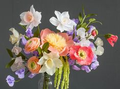 Description: Pack of 10 assorted colors of high quality, extra fine crepe papers from DIY designer Lia Griffith in a color palette inspired by nature. Colors in Flower Vases, Flower Arrangements, Paper Pot, Paper Paper, Elegant Gift Wrapping, Crepe Paper Flowers, Paper Peonies, Fabric Flowers, Fundraising Events