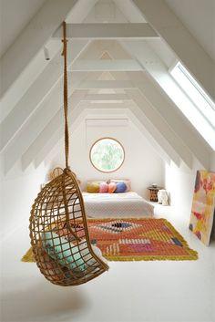 Tiny Bedroom Design, Attic Bedroom Designs, Home Design, Design Ideas, Bed Design, Attic Design, Decoration Design, Decor Interior Design, Interior Decorating