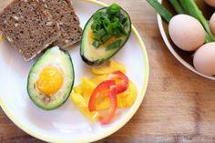 Przepisy na zdrowe pasty kanapkowe - powiedz dietom nie Avocado Egg, Zucchini, Eggs, Vegetables, Breakfast, Food, Morning Coffee, Meal, Egg