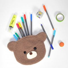 Follow this free crochet pattern to make a cute bear pencil case. ☆ ★ Thanks so for share https://uk.pinterest.com/peacefuldoves/