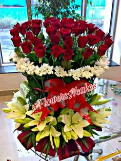 Flowers N Cakes, Ghaziabad, India. we deals in fresh natural Flowers , Cakes ,artificial flowers & special gifts packing. Beautiful Roses, Beautiful Gardens, Happy Birthday Wishes Photos, Anniversary Greeting Cards, Corporate Flowers, Bouquet, Flowers Online, Flower Boxes, Flower Wallpaper