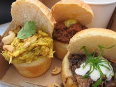 World Fare Bus Bunny Chow.What is Bunny chow? Curry in a loaf? Bunny chow is a very popular street food dish in its home city Durban in South Africa South African Recipes, Ethnic Recipes, Low Cost Dental Care, Chow Chow, Street Food, Kos, Food Dishes, Hibiscus, Followers