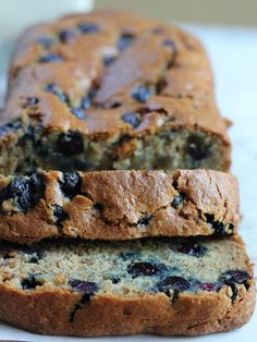 Fellow pinner said: Gluten Free Blueberry Banana Bread with flaxseed meal! This bread is so moist, flavorful and nutty! So good and uses NO BUTTER! So good and so easy to make! Blueberry Banana Bread, Gluten Free Blueberry, Gluten Free Banana Bread, Banana Bread Recipes, Gluten Free Baking, Gluten Free Breakfasts, Gluten Free Desserts, Gluten Free Recipes, Dessert Recipes
