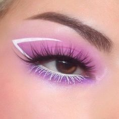 Image shared by ❤ 𝓛𝓲𝓷𝓪 ❤. Find images and videos about cute, tumblr and beauty on We Heart It - the app to get lost in what you love. Cute Makeup Looks, Makeup Eye Looks, Eye Makeup Art, Pretty Makeup, Eyeshadow Makeup, Face Makeup, White Eye Makeup, Purple Eye Makeup, Makeup Artistry