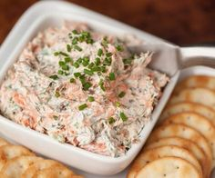 Smoked Salmon Dip made with hot smoked salmon & bacon has a spicy jalapeno kick. Also amazing as smoked salmon spread on a bagel! Dip Recipes, Seafood Recipes, Great Recipes, Cooking Recipes, Favorite Recipes, Yummy Appetizers, Appetizer Recipes, Smoked Salmon Spread, Sauces