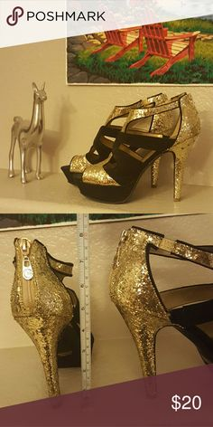 Guess heels - black and gold glitter Guess Heels - worn once for a wedding. Glittery gold with black. Zipper back. Guess Shoes Heels