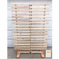 Wood Pallet Wall Display Wedding Backdrop Wood Pallet Jewelry Display Craft Show Display Craft Show Wall Display Wood Pallet Display Ladder Display, Pallet Display, Wood Display, Vintage Booth Display, Display Boards, Display Ideas, Craft Show Booths, Craft Show Displays, Shop Displays