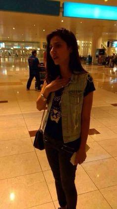 Mahira Khan at Dubai Airport for Hum Awards Best Actress Award, Airport Look, Mahira Khan, Pakistani Actress, Celebs, Celebrities, Awards, Dubai Airport, Actresses