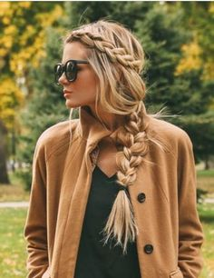 Side braid hairstyles are the beautiful and sexy hairstyle. If you're looking for an appropriate way to make your hair look more vibrant, side braid hairstyle is your best choice. Traditional braided hairstyle, all the beauty is at the back, so side New Braided Hairstyles, Box Braids Hairstyles, Winter Hairstyles, Trending Hairstyles, Boho Hairstyles, Pretty Hairstyles, Straight Hairstyles, Long Haircuts, Hairstyle Ideas