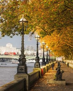 River Thames, London.-