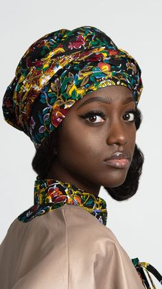 Our Fabia African print cape is made of a beautiful and vibrant floral print fabric. This particular african fabric has been part of African fashion for decennies and it's been considered as a vintage Ankara. At least 3 generations of African wome. Beautiful African Women, Beautiful Dark Skinned Women, African Beauty, Beautiful Black Women, African Fashion, Beautiful Eyes, Beautiful Pictures, African Girl, African Head Wraps