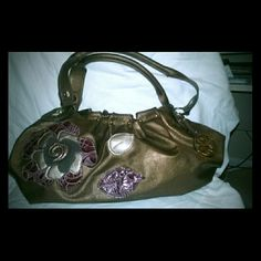 Selling this Vintage RELIC Bronze Metallic Barrel Bag on Poshmark! My username is: shoe_shack. #shopmycloset #poshmark #fashion #shopping #style #forsale #Vintage #Handbags