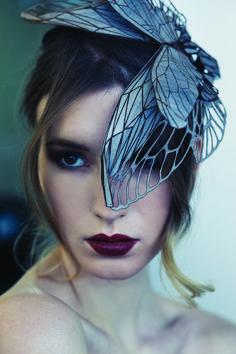 """SPUNTI E RIFLESSIONI PER LA CALL """"THE ROMANTIC HAIRDRESS"""" A volte, il romanticismo sobrio e contenuto lascia spazio a quello stravagante ed eccentrico, ma mai volgare ed eccessivo. Ecco come EMMA YEO interpreta gli accessori per capelli. I suoi copricapo hanno uno stile che unisce scultura, attenzione per il dettaglio e design. (Fonte: Melbourne Laser Cutter - http://bit.ly/1VNJdiH) http://www.d-signfactory.com/#!the-romantic-hairdress/y70o8 #design #D.SIGN #leavethesign #call…"""