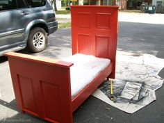 How to make a toddler bed out of an old door. An old door gets repurposed and makes a perfect big boy bed for your toddler. Fits a crib mattress. Repurposed Furniture, Diy Furniture, Repurposed Doors, Recycled Door, Salvaged Doors, Diy Design, Design Ideas, Door Bed, Recycling