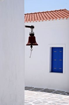 The silent bell Greece Islands, Crete, Beautiful Islands, Old Town, Travel Inspiration, Paradise, Landscapes, Blue And White, Culture