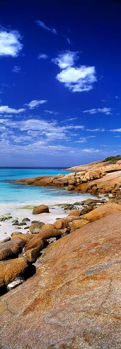 Esperance lies along the southern coast of Western Australia, 721km from Perth and is part of Australias Golden Outback. This busy port and tourist town has some of the best coastal scenery in Australia; its snow-white secluded beaches, beautiful National Parks and many islands of the Archipelago of the Recherche provide a myriad of alluring locations to explore and photograph.
