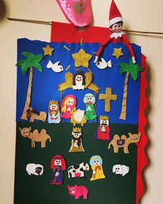 Holly getting back to her biblical roots popped up in our #homemade advent calendar this morning ⛪️. #2days #holly #elfontheshelf #scoutelf #secondelfyear #nationalrootsday #sfamilytraditions #2015 #diy #adventcalendar #christmascountdown