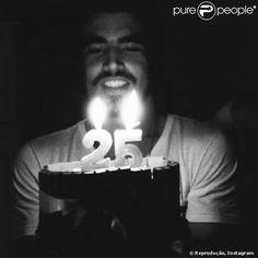 25 anos