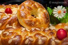 Greek Sweets, Greek Desserts, Greek Recipes, Sweet Buns, Sweet Pie, Tsoureki Recipe, Easter Recipes, Dessert Recipes, Greek Easter Bread