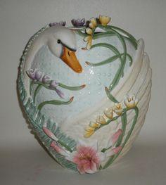 Fitz+and+Floyd+Swan+Vase | 1000x1000.jpg