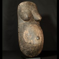 Makonde female body mask : Collected by Jean Pierre Hallet