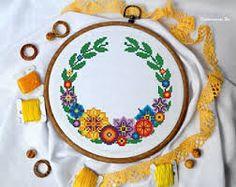 Картинки по запросу rosehip wreath cross stitch