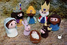 Ravelry: Holy Family (Nativity Set) pattern by Pebie Crochet