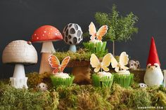 Decoupage your own fantasy world with these cute and unique fairy tale mushrooms! Easily incorporate them into your garden decor or themed parties Diy Paper, Paper Crafts, Tissue Paper, Fun Crafts, Crafts For Kids, Mushroom Crafts, Honeycomb Paper, Gold Birthday Party, How To Make Paper