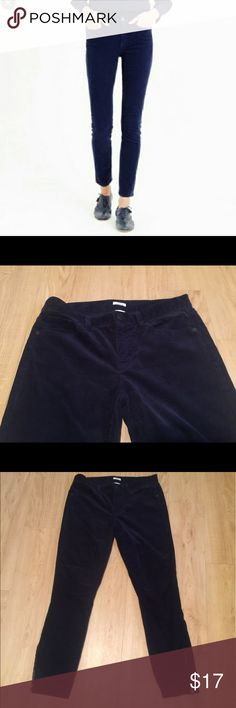 J. Crew Navy Corduroys Toothpick Pants No flaws, perfect J. Crew Navy Corduroys Toothpick Pants. These have a zipper on the sides and hits above the ankle. Inseam of 26inches. Size 28. Ready to ship, these are in great shape! Pockets in front and back J. Crew Pants Ankle & Cropped