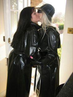 Two Black Rubber Raincoats Vinyl Raincoat, Pvc Raincoat, Plastic Raincoat, Black Rain Jacket, Rain Jacket Women, Long Leather Coat, Leather Jacket, Black Mac, Mode Latex