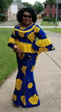 Ankara Styles For Older Women 2018 African Fashion Ankara, Latest African Fashion Dresses, African Dresses For Women, African Print Dresses, African Print Fashion, African Attire, African Women, Ankara Skirt And Blouse, Style Africain