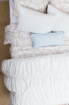 Great site for beautiful bedding / Ruffled and beige bedding
