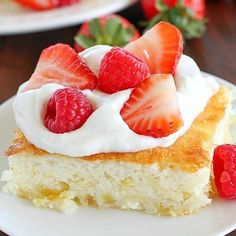 Fluff Cake is a delicious fat-free, low-calorie dessert with only TWO easy ingredients! It's the easiest dessert to make and comes out fluffy and light. Great served with fruit and whipped topping. Healthy Recipes, Healthy Desserts, Cooking Recipes, Healthy Fats, Delicious Recipes, Vegetarian Recipes, Dessert Simple, Food Cakes, Cupcakes
