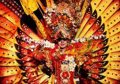 Jember Fashion Carnaval 2016 Hand Fan, Carnival, Fashion, Moda, Fashion Styles, Carnavals, Fashion Illustrations
