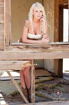 Model: Tinisha Portillo