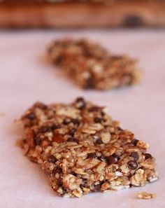 No-Bake Quinoa Crumble Bars | 23 Healthy And Easy Breakfasts Your Kids Will Love